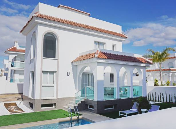 Detached Villa - For sale - Guardamar & Vega Baja - Quesada & Dona Pepa