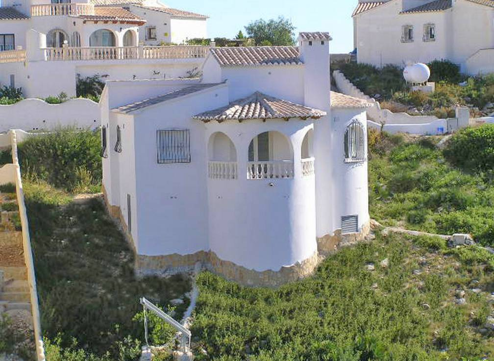 New Build 2 Bed Detached Villa On Large 800m2 Plot & Room For Private Pool & Stunning Sea Views
